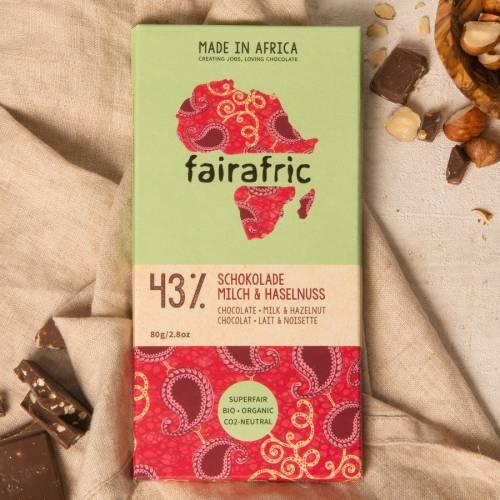fairafric 43% Schokolade mit Milch und Haselnuss - Bio+Tree-To-Bar
